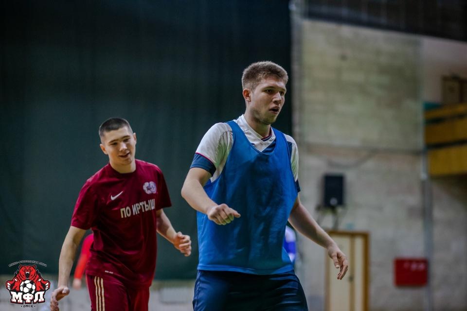 В последнее время Егор Дробыш играл в мини-футбольной лиге Омска<br>