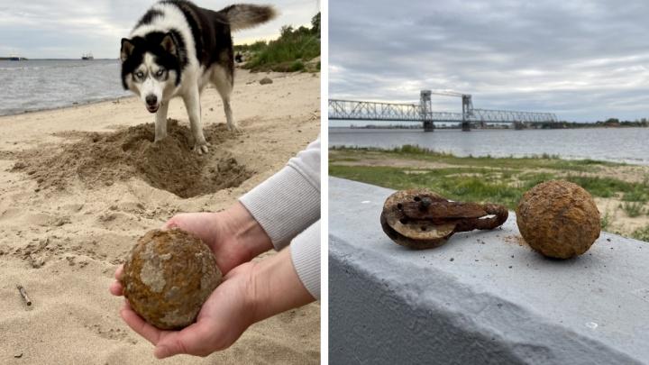 Архангелогородка нашла на берегу реки ржавый металлический шар — что это может быть