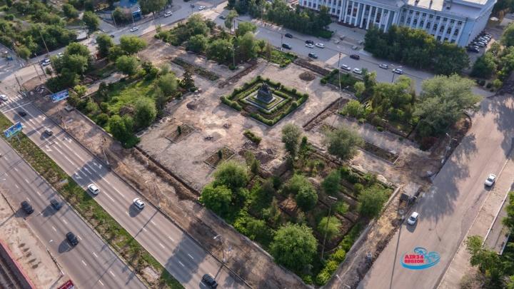 Без слез не взглянешь: смотрим, что сделали с главной протестной площадью Волгограда