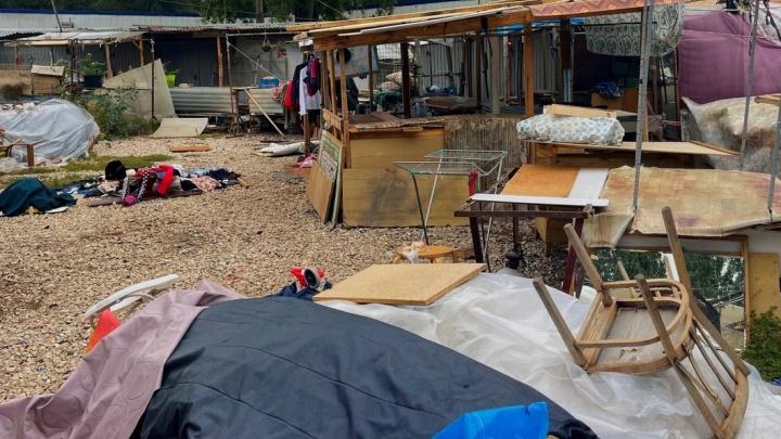 В Самаре начали зачищать рынок в 15-м микрорайоне