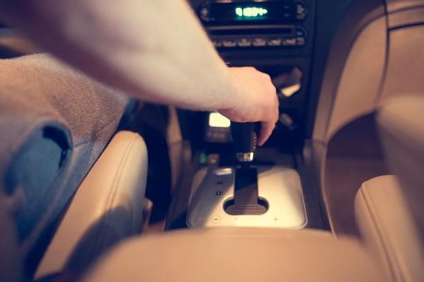 Мастера автосервиса дали несколько советов для водителей на машине с коробкой «автомат»