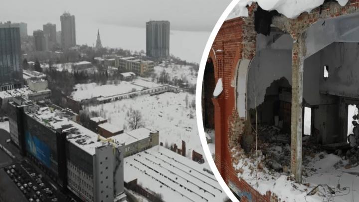 От «Захара» до Волги: блогер показал «изъеденные» временем здания бывшего ЗИМа