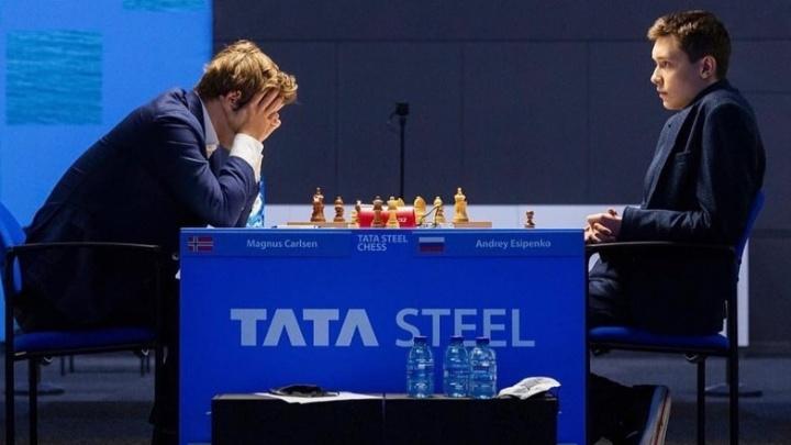 Ход королевича: парень из Новочеркасска обыграл чемпиона мира по шахматам