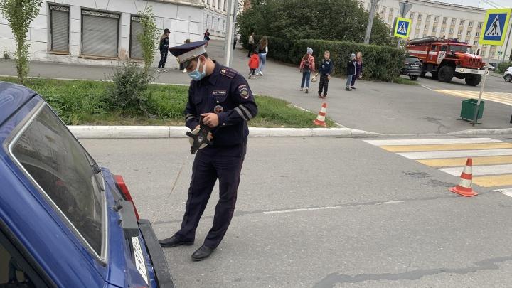 В центре Краснотурьинска 80-летний водитель сбил двух детей на пешеходном переходе