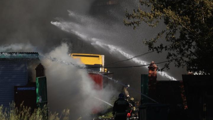 Травников поручил проверить обоснованность размещения АЗС внутри жилых кварталов после взрыва