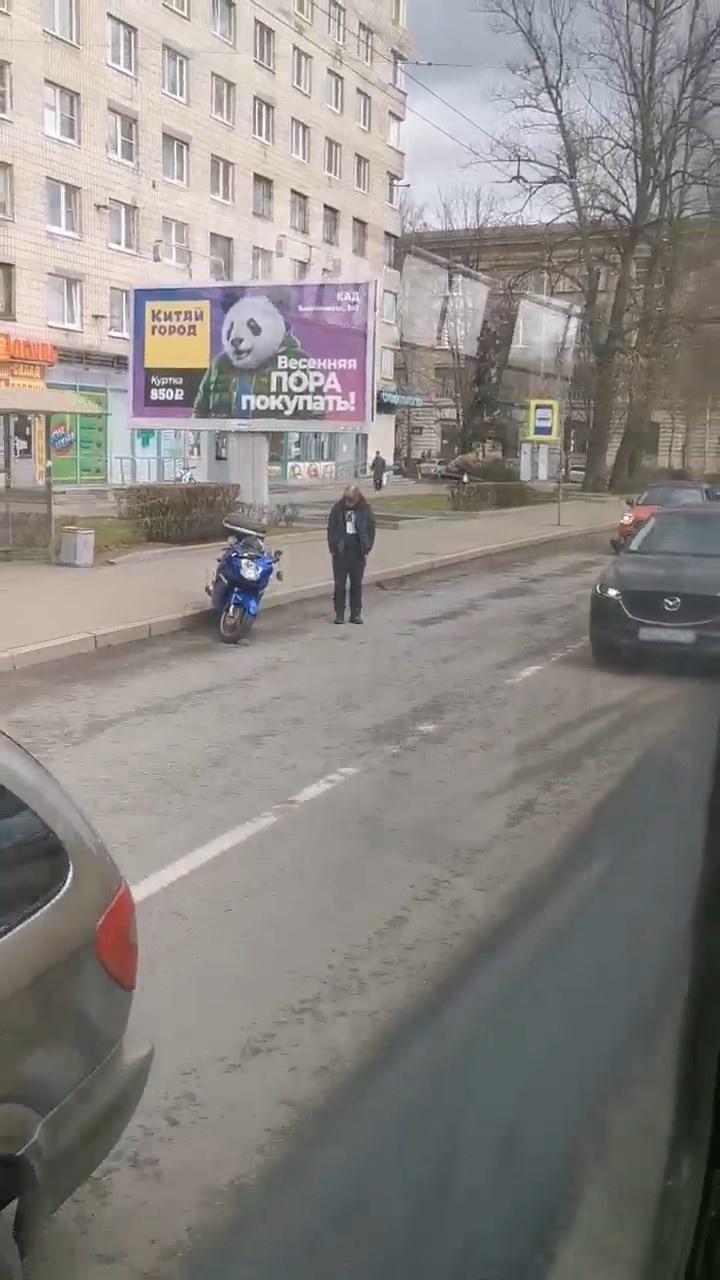 "Скриншот видео из группы <a href=""https://vk.com/wall-68471405_14972050"" target=""_blank"" class=""io-leave-page _"">«ДТП и ЧП | Санкт-Петербург»</a>"