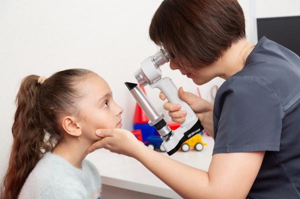 """Понять, что у ребенка проблемы со зрением, может быть <nobr class=""""_"""">сложно —</nobr> важно обследоваться <nobr class=""""_"""">у специалиста</nobr>"""