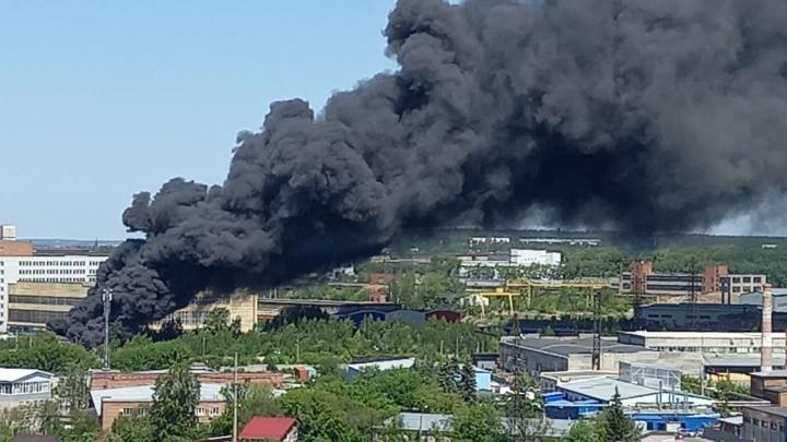 Столб дыма поднялся над Екатеринбургом: что известно на данный момент