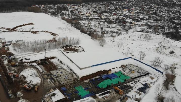 В Самаре за бывшим авторынком на Раките начали строить высотки