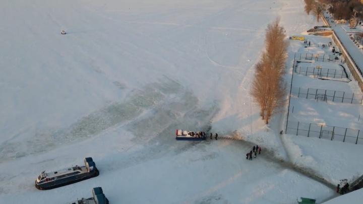 «Ледяные просторы»: самарец снял зимнюю переправу по Волге