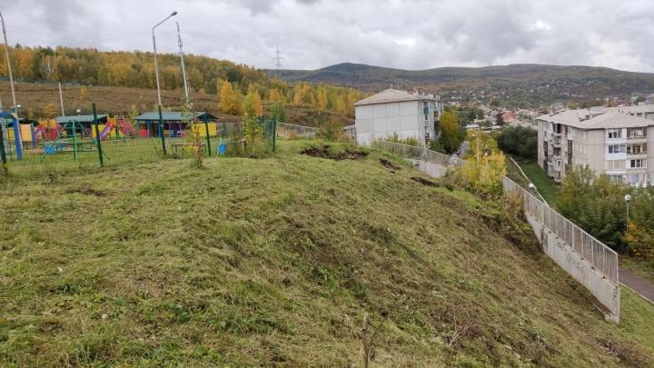 Подпорная стена у детского сада в Красноярске стала опасной. Ввели режим ЧС