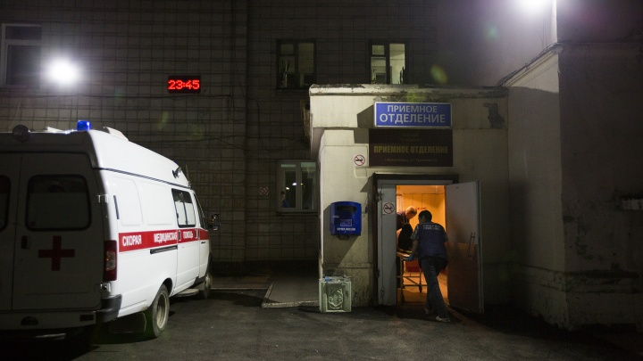 Трехлетняя девочка выпала из окна 2-го этажа в Дзержинском районе