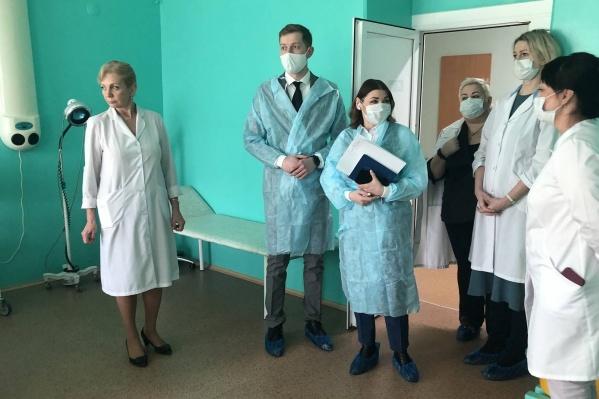 Губернатор поручил зампреду Олесе Старжинской побывать во всех медицинских организациях