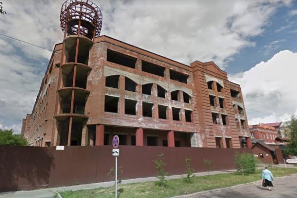 Ранее здание выставляли на продажу за 300 миллионов