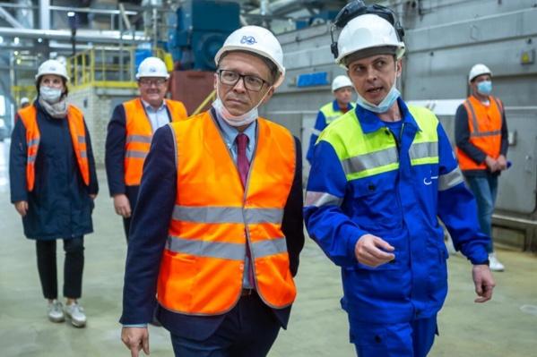 Насколько мощности комбината готовы к реализации инвестпроекта, оценил министр природных ресурсов и ЛПК Архангельской области Игорь Мураев