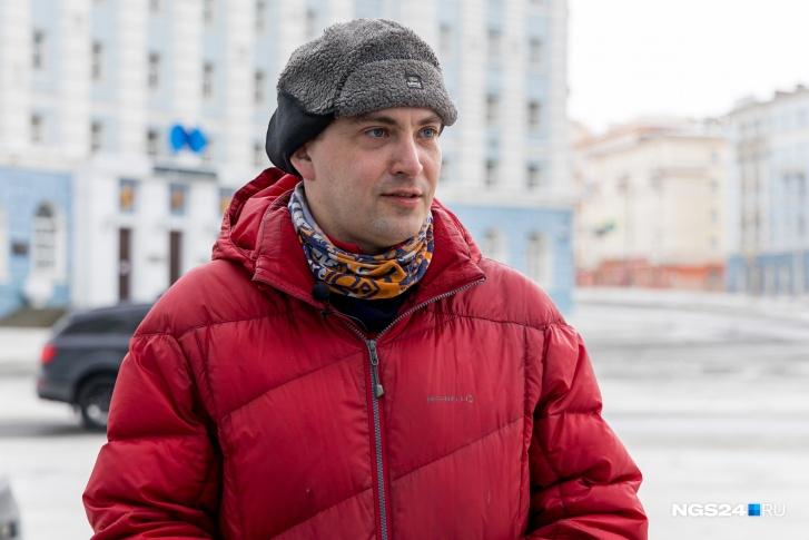 Если бы Василий Рябинин год назад не устроился в только что открытый отдел Росприроднадзора, то, возможно, мир бы не узнал про разлив