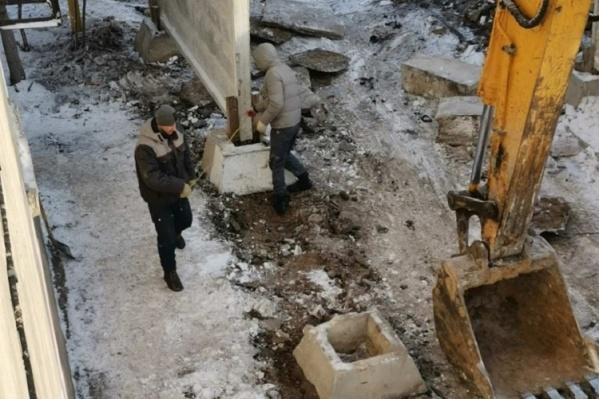 Горожане не обрадовались, когда под их окнами начала работать строительная техника