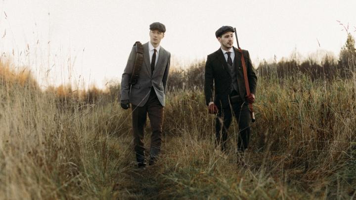 Только для мужчин: два друга шьют в Архангельске уникальные костюмы в стиле английских джентльменов