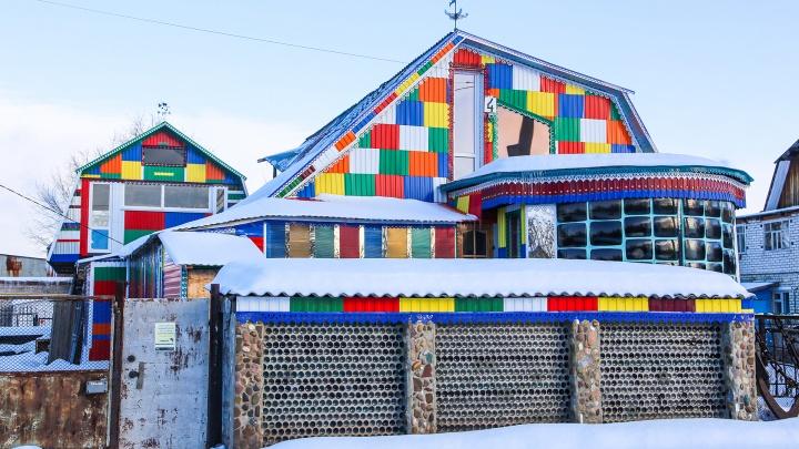 3000 бутылок, 36 кинескопов. Как инженер-самоучка построил дом своей мечты, о котором теперь знает вся Уфа