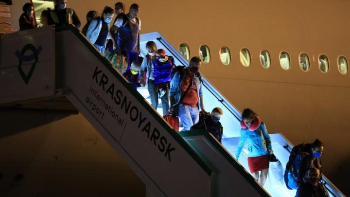 В Красноярске из-за дымки задержаны почти все утренние рейсы