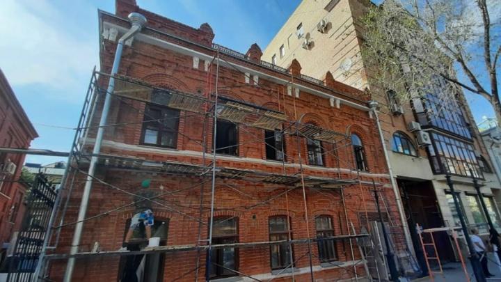 Стали известны сроки окончания реставрации дома Иванова