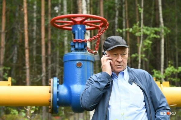 Газопровод в Таватуе принадлежит Валерию Белоусу, и прошлым летом он уже перекрывал вентиль, оставляя людей без газа