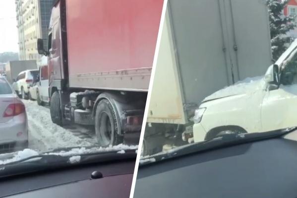 В ДТП повреждения получили только автомобили