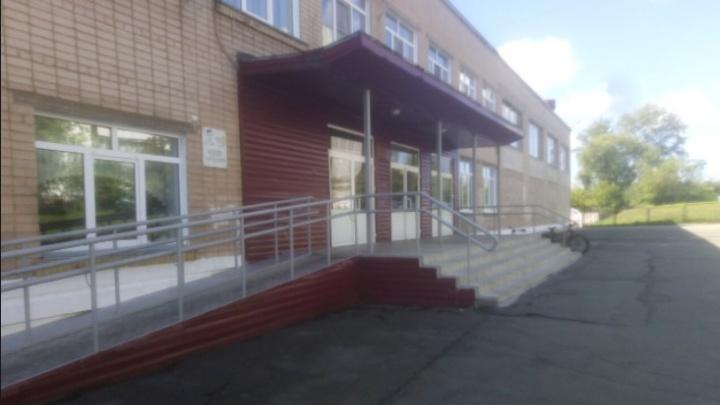 «Отстранили только двоих контактных»: в Челябинске не стали закрывать на карантин класс, где подтвердили случай ковида