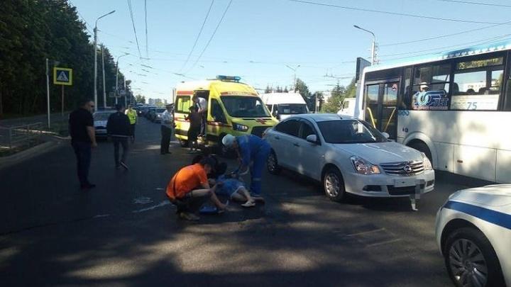 Бабушка и ребенок едва остались живы после наезда автомобиля в Уфе