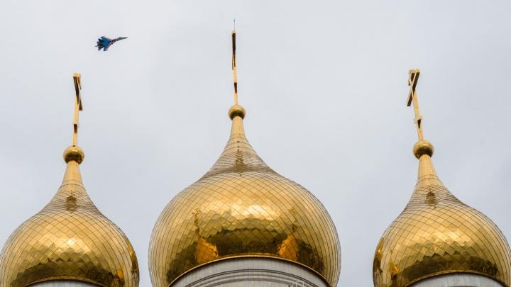 Истребители в искрах над Архангельском: смотрите, какие красивые кадры мы сделали на юбилее «Дервиша»