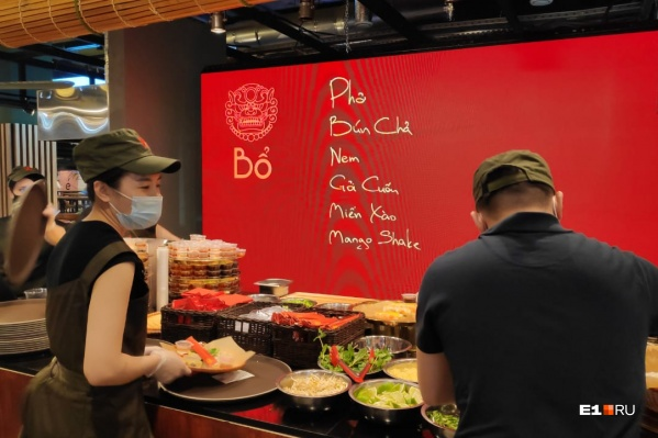 Повара нового проекта делают ставку на вьетнамский суп фо бо