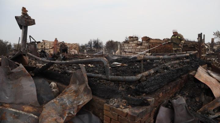 «Ураган огня высотой в 40 метров»: пожарные — о первых минутах тушения пожара в Борском районе
