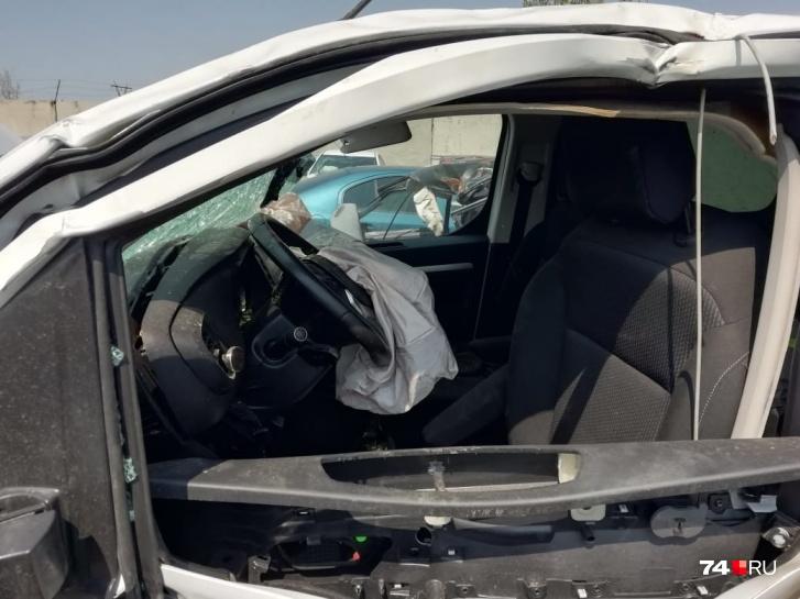 В машине пострадавших от лобового удара сработали подушки безопасности