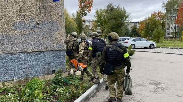 Росгвардия опубликовала видео задержания стрелка, открывшего огонь у детского сада на Свиязева