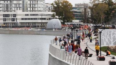 «Неплохо, но это не набережная»: столичный урбанист — о прогулочной зоне за филармонией в Челябинске