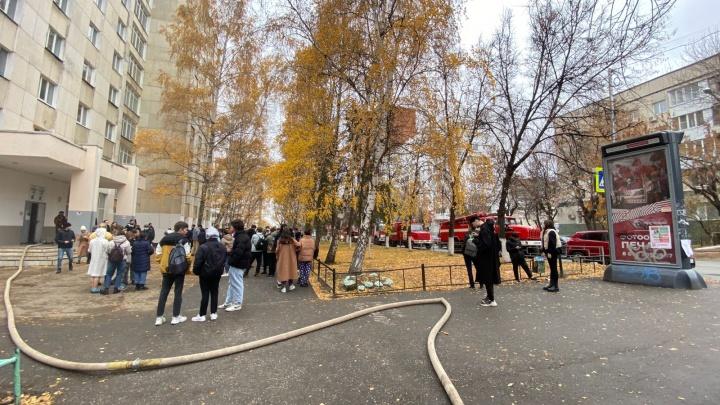 В Уфе загорелось общежитие аграрного университета