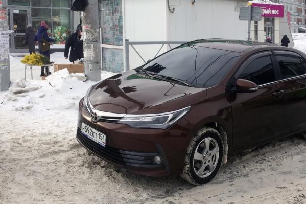 «Тойота» на переходе