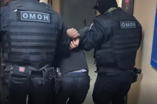 Опасного преступника задерживали при силовой поддержке бойцов Росгвардии