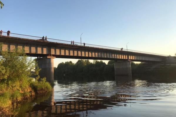 Место гибели подростка на реке Виледь