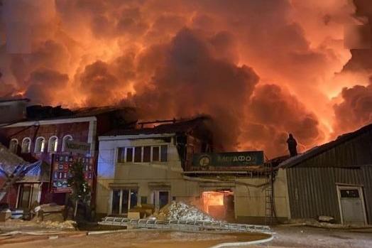 Пожар локализовали около 22:30