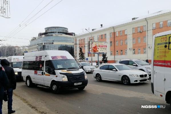 67 городских маршрутов работают по нерегулируемому тарифу