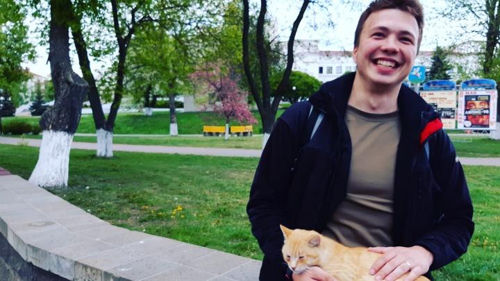 Власти Белоруссии экстренно посадили самолет, чтобы задержать создателя оппозиционного Telegram-канала