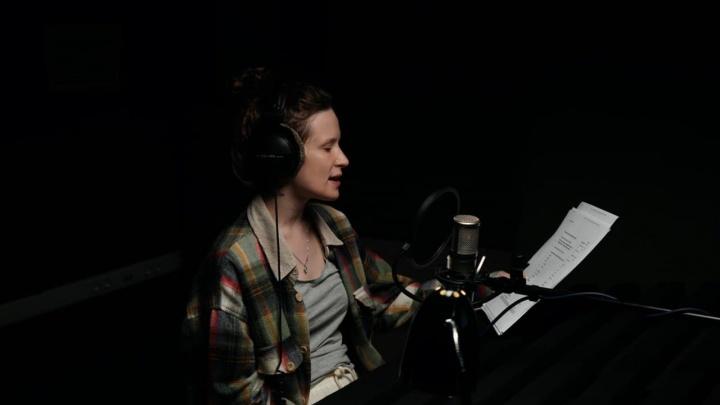 Уральская певица Лиза Монеточка продала голос навигатору. Послушайте!