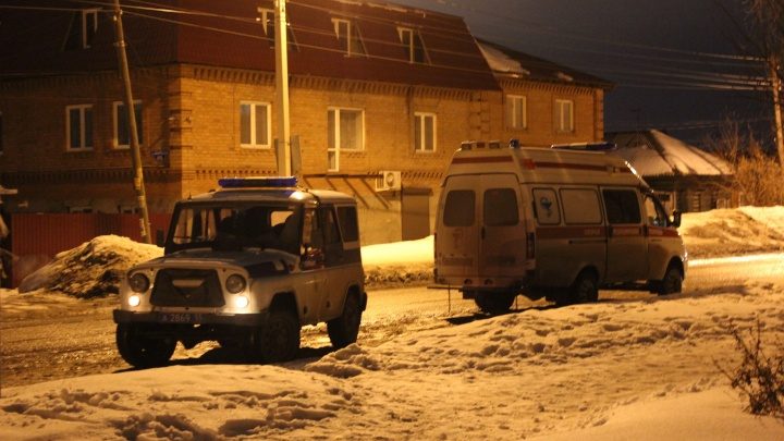Омского бизнесмена убили во дворе собственного дома
