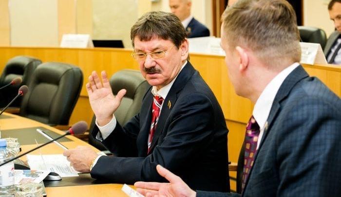 Суд экстренно рассмотрит иск экс-кандидата в главы Сургута. Дело блокирует начало новых выборов