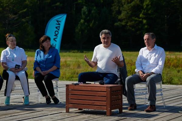 Проблемы сферы образования Алексей Нечаев и Артём Соловейчик обсудили с иркутскими учителями
