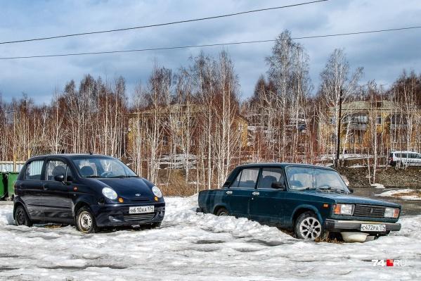 Два самых очевидных кандидата на роль первой машины: «мотька» и «жига». Но далеко не единственные