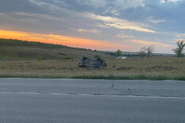 Машину вынесло на несколько метров с дороги