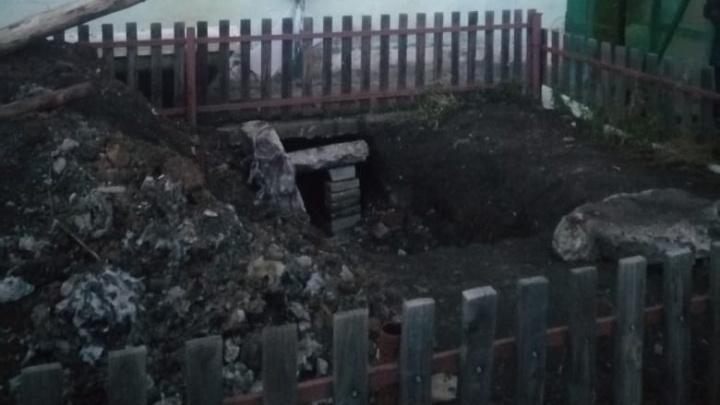 В Башкирии многоквартирный дом после опрессовки остался без отопительных труб, а жителям сказали, чтобы чинили сами