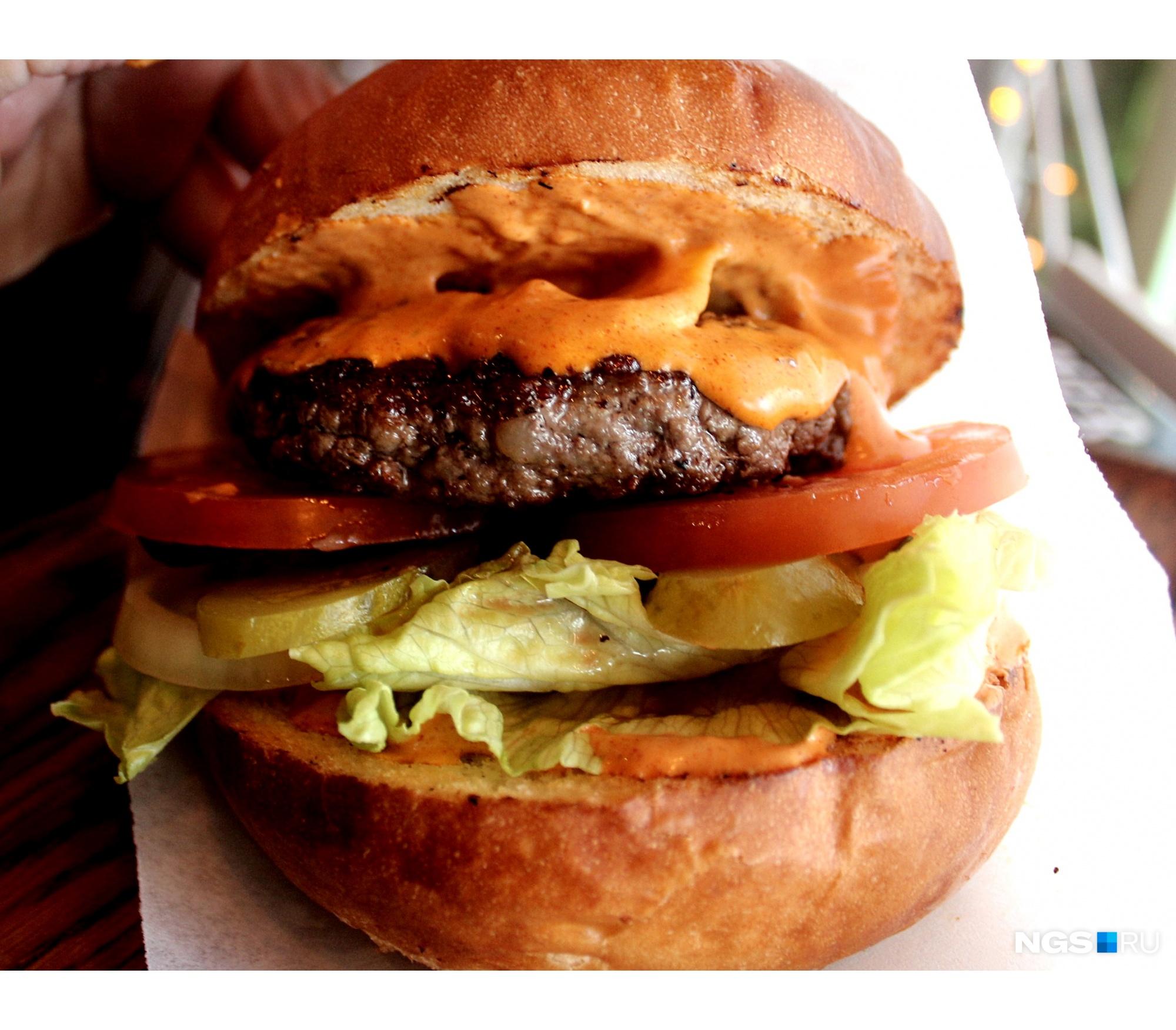 В бургере может быть больше десятка ингредиентов